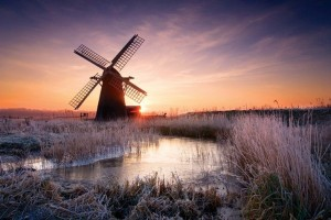AWFMKT Cold Hoar Frosted sunrise at Herringfleet windmill on the Norfolk & Suffolk Broads. Image shot 02/2008. Exact date unknown.
